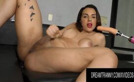 Vídeo travesti pelada masturbando o rabo