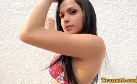 Sex hot travesti brasileira sentando gostoso no pau