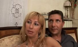 Video sexo travesti safada fodendo com dois machos