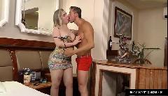 Vidio porno de travesti loira fogosa liberando o seu cuzinho